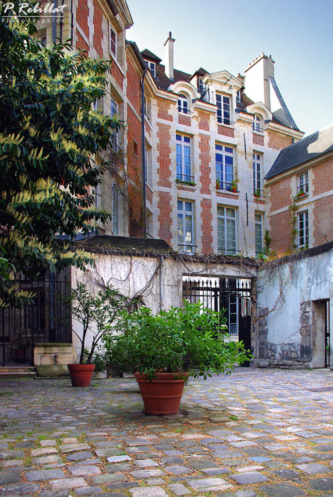 Cours de rohan paris 6eme arrondissement paris - Cours de tapisserie d ameublement paris ...
