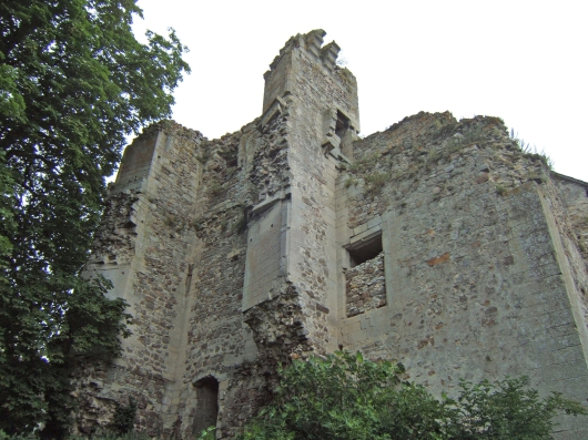 Remains of the Castle, French Heritage monument to Montepilloy.
