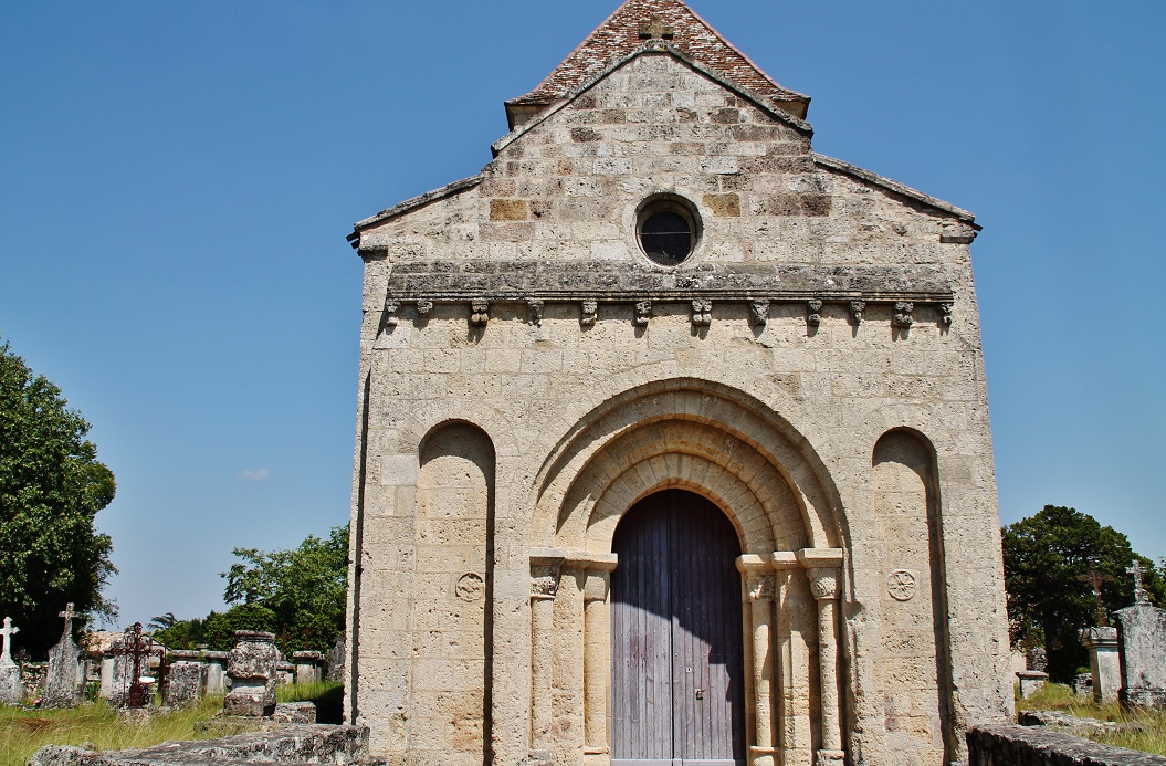Church Saint-Pierre-of-links, French Heritage monument to Montpeyroux.