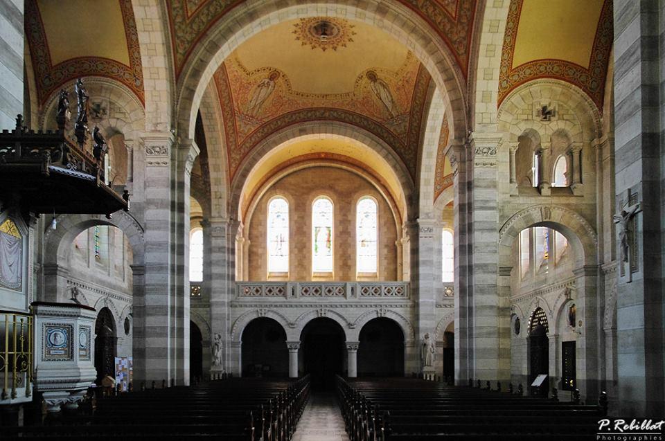 Eglise paroissiale Sainte-Radegonde à La bruffiere.