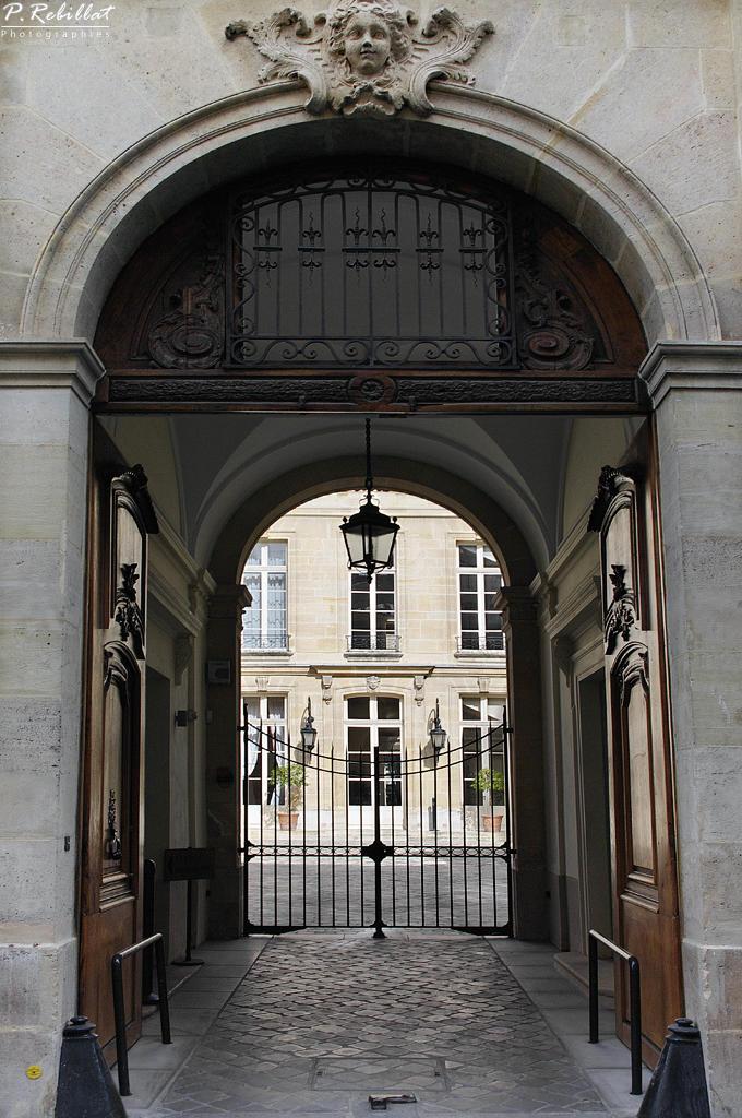 H tel de beaune paris 6eme arrondissement paris for Agence immobiliere 6eme arrondissement paris