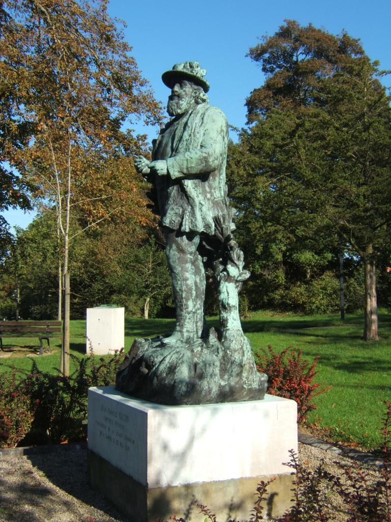 Monument dit à Jean Charles Cazin à Samer.