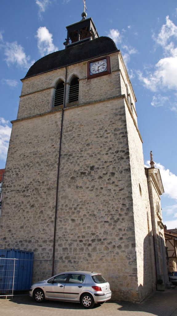 Church Saint-Oyen, French Heritage monument to Meillonnas.
