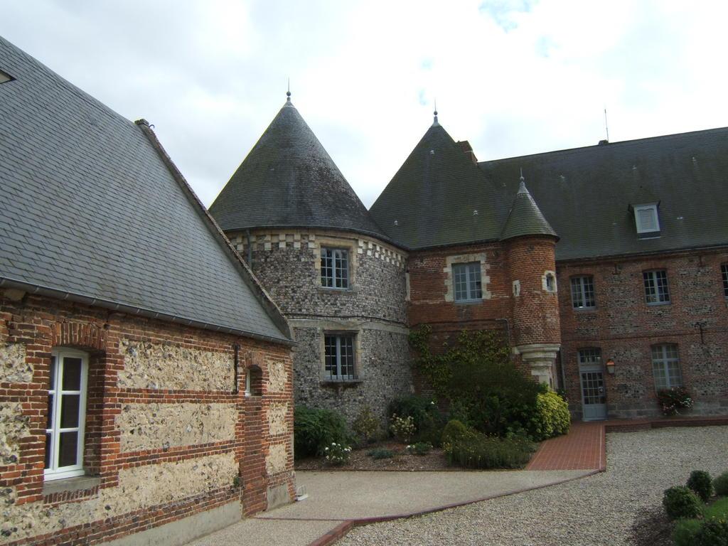 Ancien château de Briançon (hôpital St Louis) à Criel sur mer.