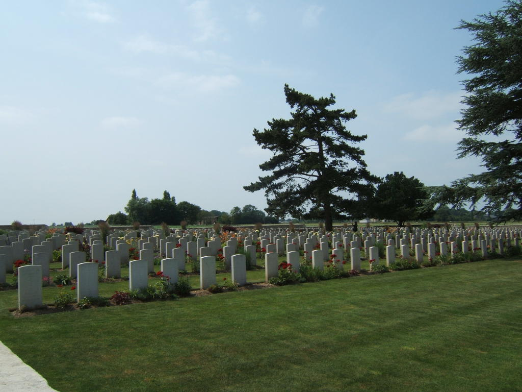 Garden said the Chinese cemetery, French Heritage monument to Noyelles sur mer.
