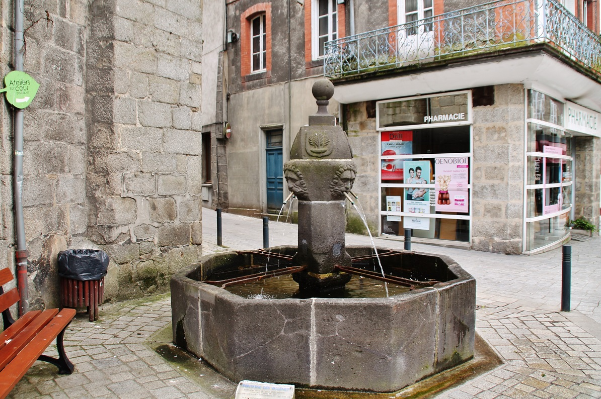 Fountain, French Heritage monument to Aubusson.