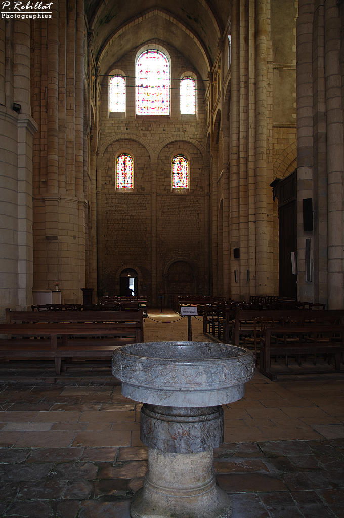 Eglise Sainte-Croix à La charite sur loire.