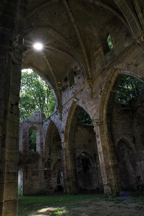 Abbaye (ancienne) à Trois fontaines l abbaye.