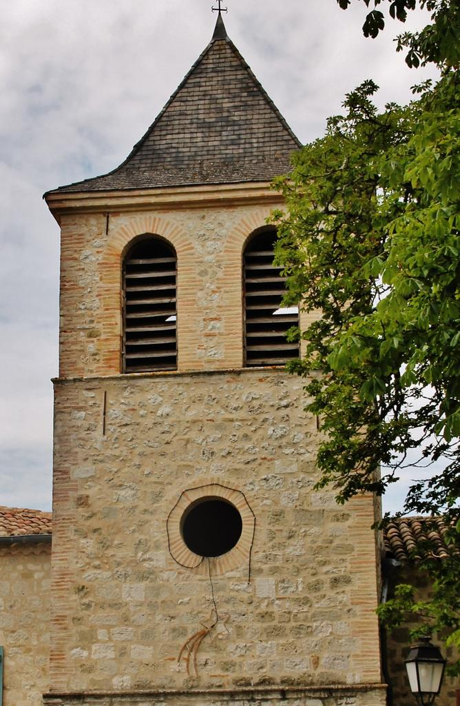 Church Saint-Georges, French Heritage monument to Montbarla.