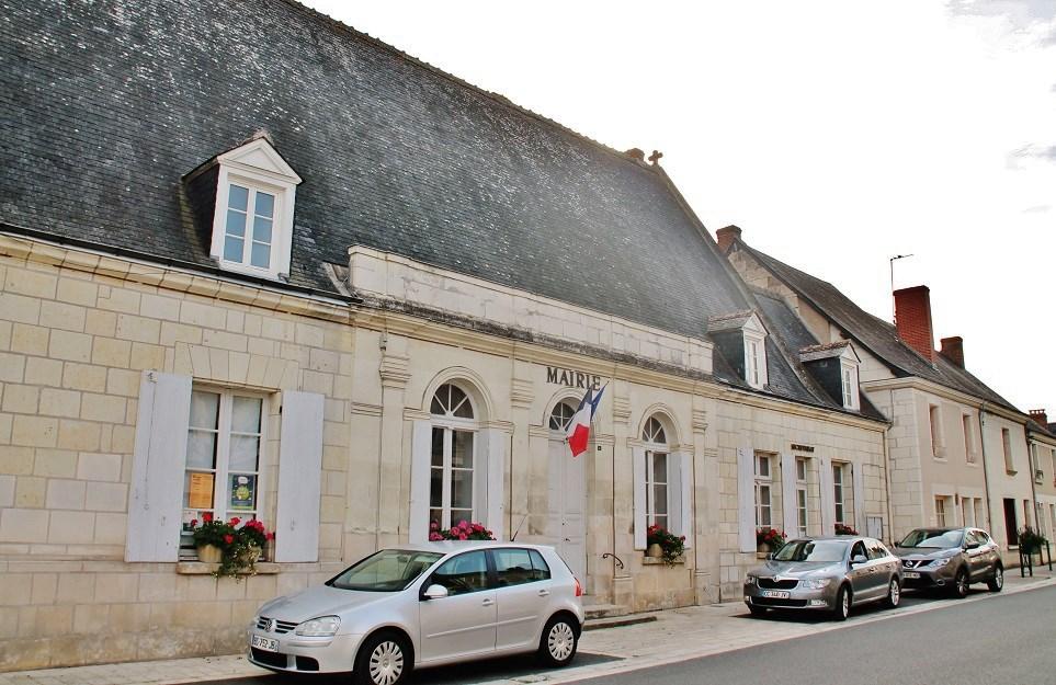 Ancienne aumônerie à Ste catherine de fierbois.
