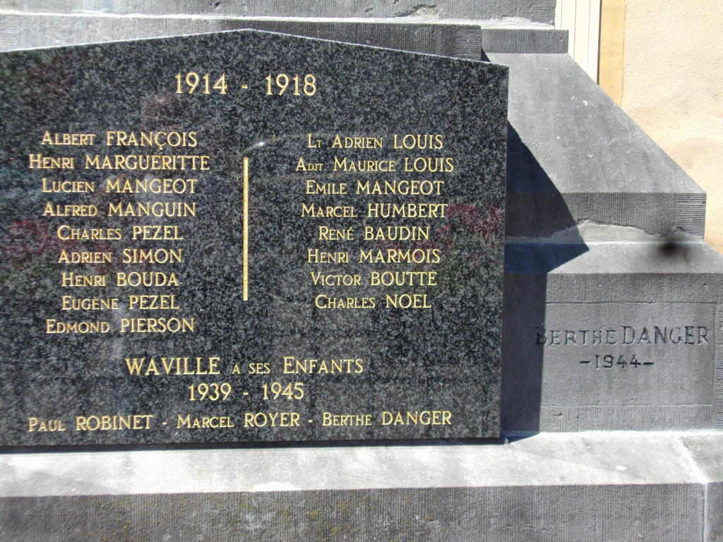 War memorial, French Heritage monument to Waville.