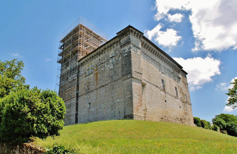 Chateau of Plieux, French Heritage monument to Plieux.