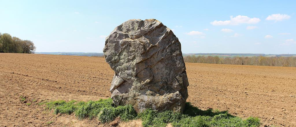 Menhir said the stone of Oblicamp, French Heritage monument to Bavelincourt.