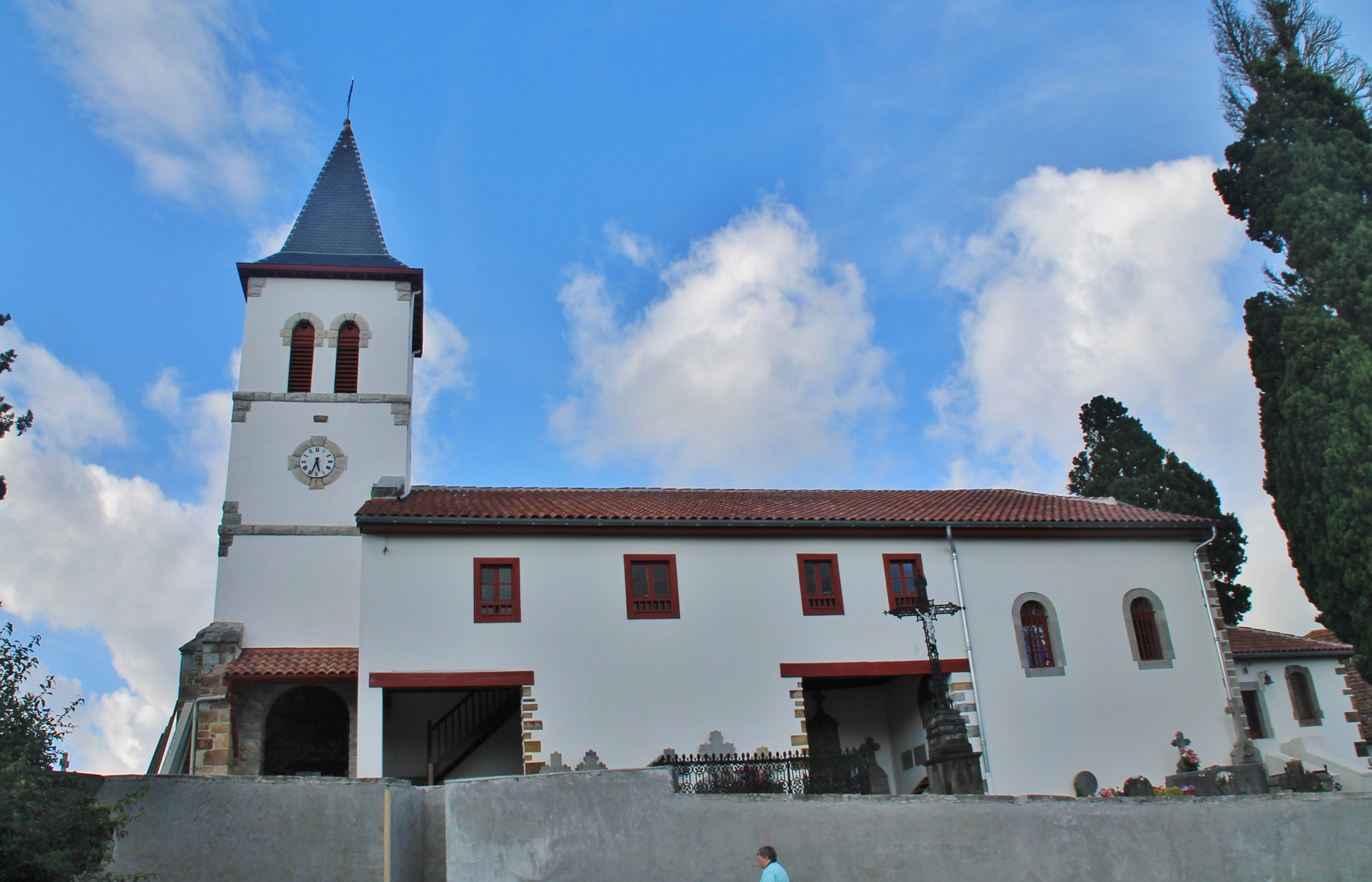 église paroissiale Saint-Laurent à Meharin.