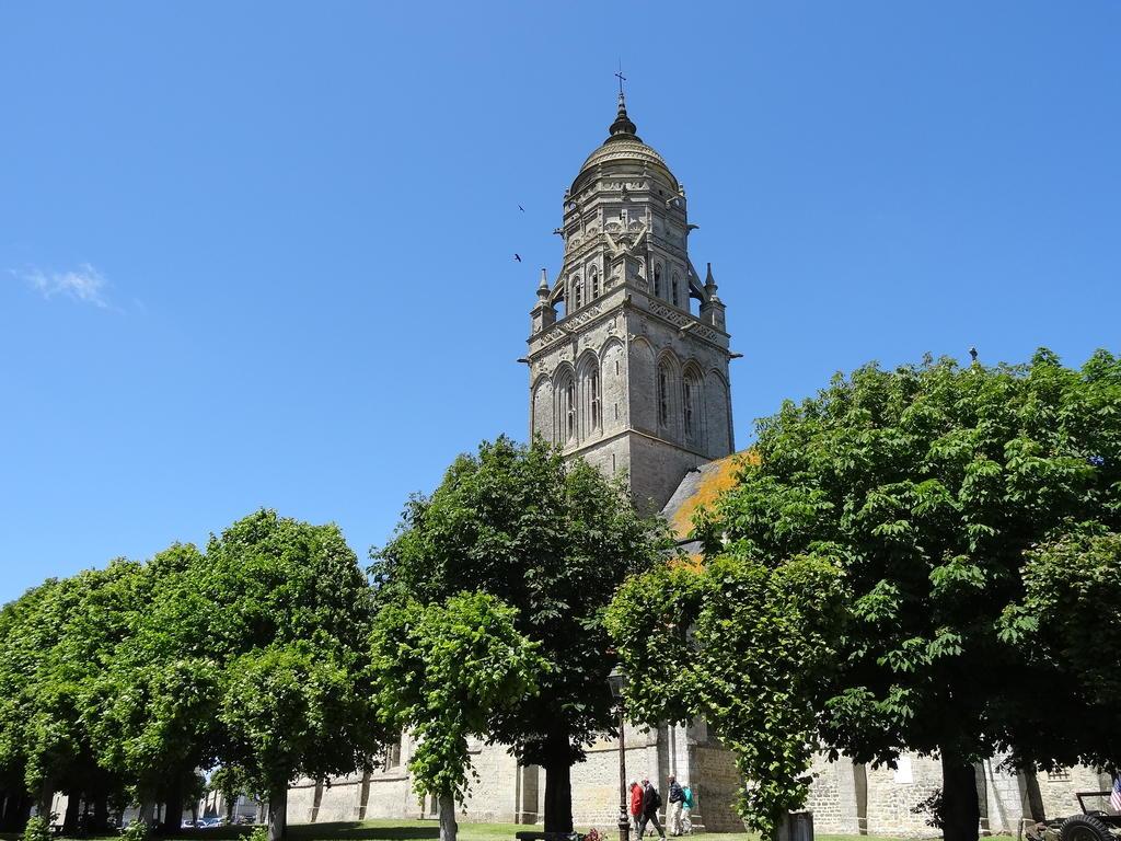 Eglise Paroissiale Sainte-Marie à Ste marie du mont.