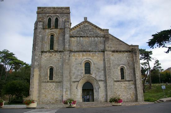 Eglise Notre-Dame de la Fin-des-Terres à Soulac sur mer.