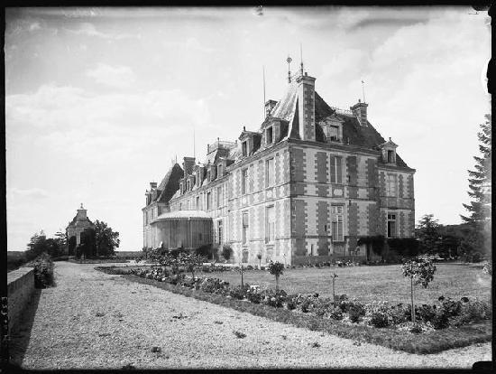 Château de Carheil (ancien) à Plesse.