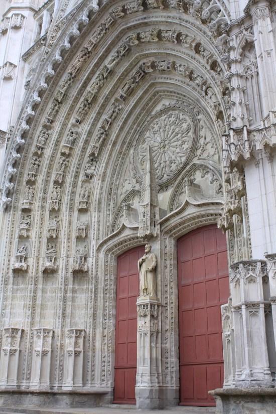 Cathédrale Saint-Pierre Saint-Paul par Lumière du matin