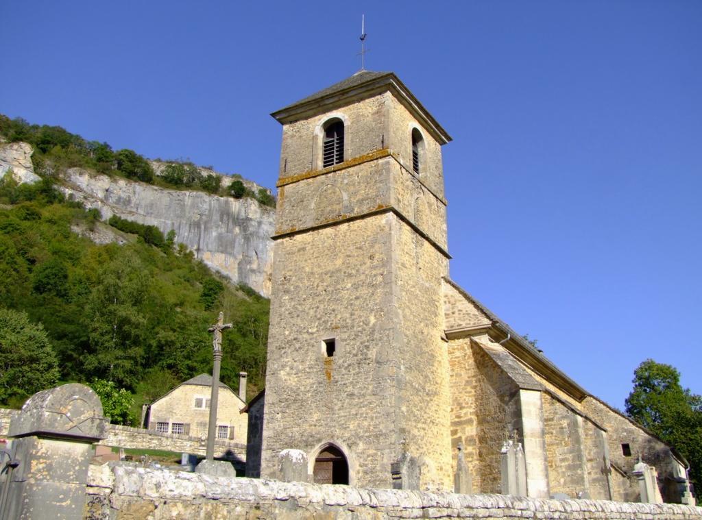 église paroissiale Saint-Jean-Baptiste à Baume les messieurs.