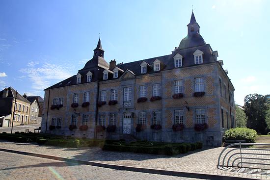 château des comtes de Bryas à Fumay.