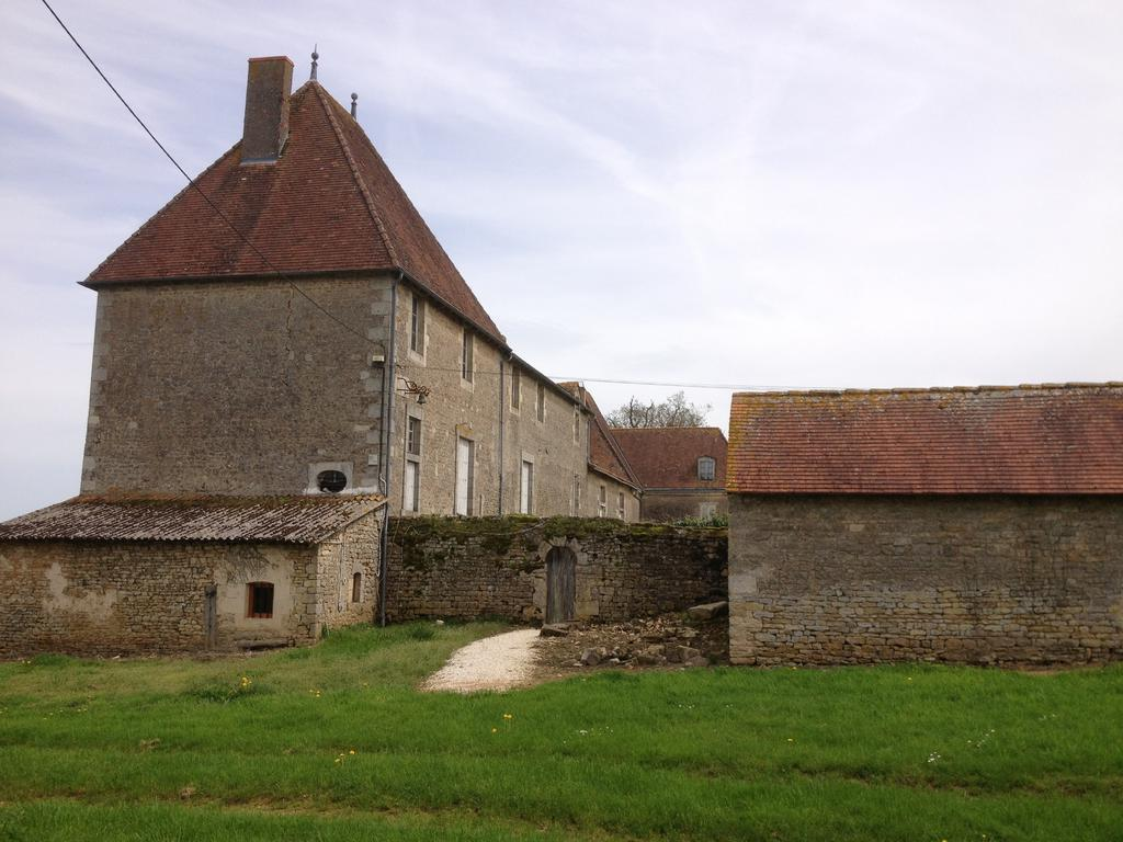 Castle, French Heritage monument to Exireuil.