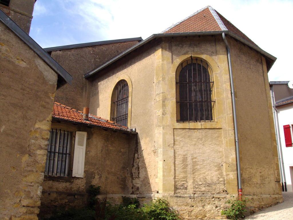 Church parish Saint-Rémi, French Heritage monument to Onville.