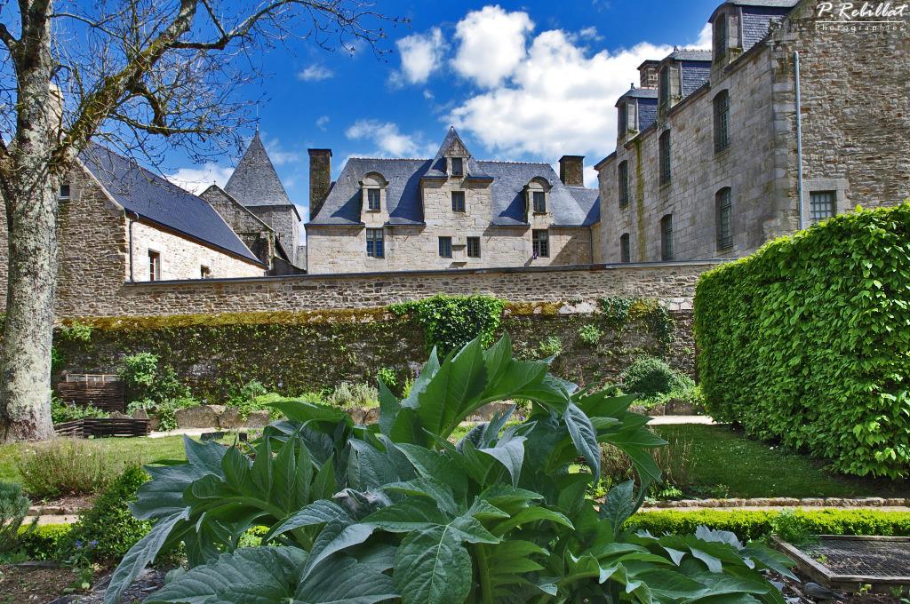 Jardin du prieur de locmaria quimper finistere for Jardin quimper