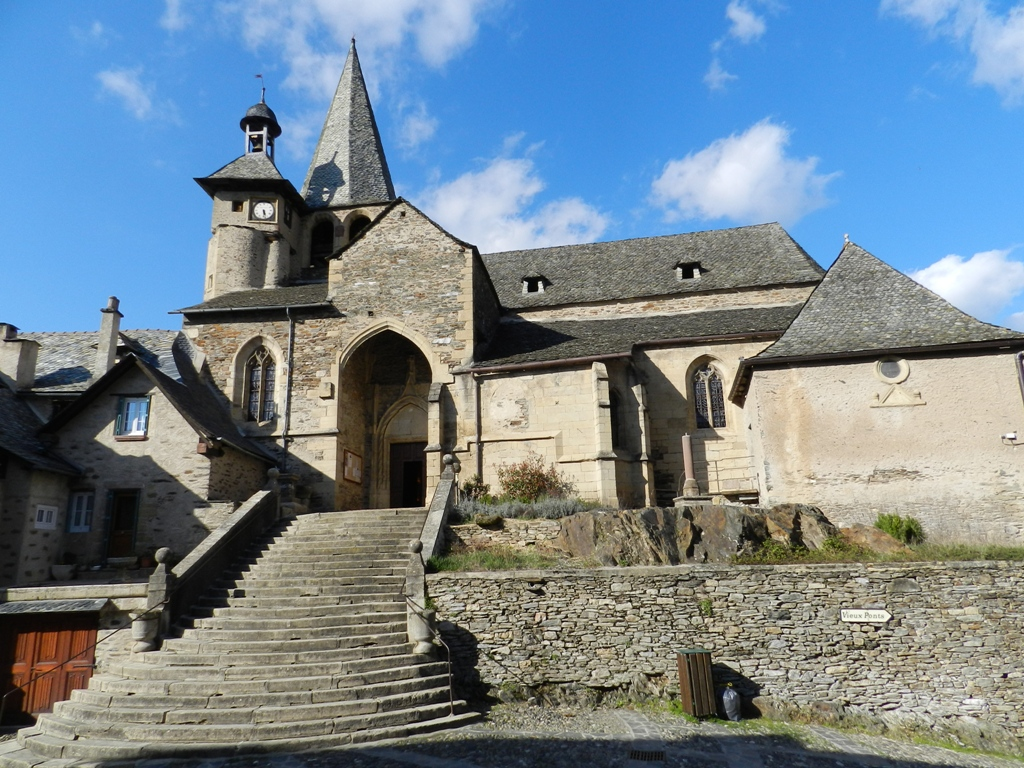 Eglise Saint-Fleuret à Estaing.