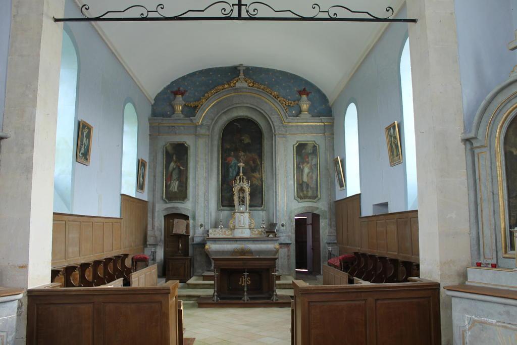 Eglise à St pierre du jonquet.