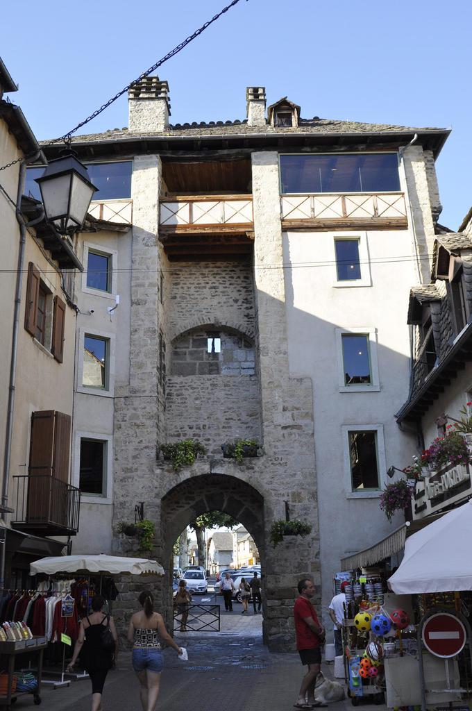 Porte de Soubeyran à Marvejols.