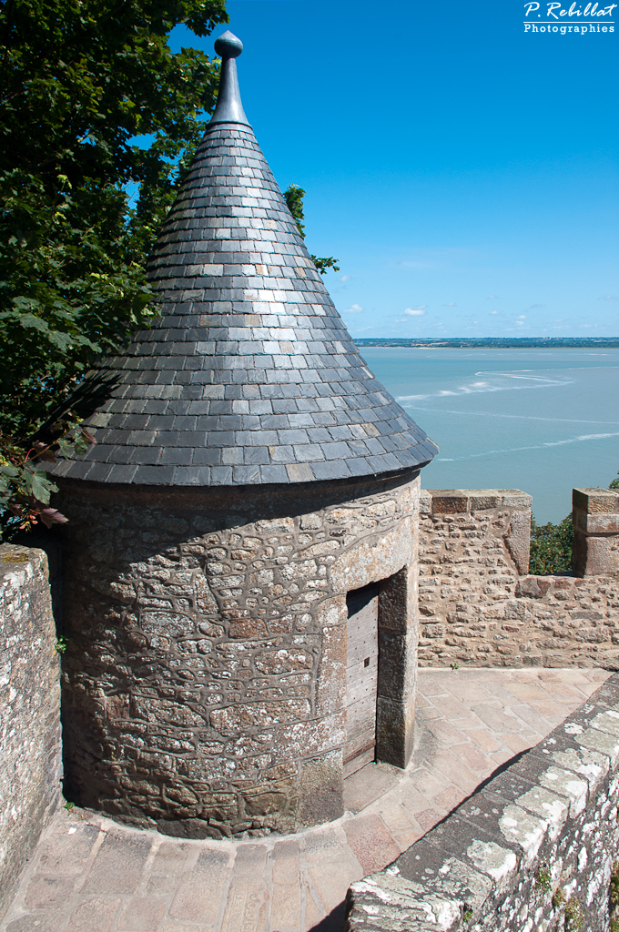 Mont Saint-Michel, Histoire et légendes anciennes.