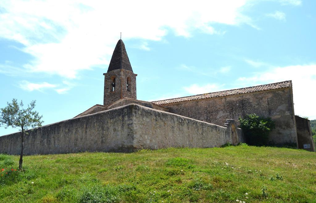 Church, French Heritage monument to St martin de bromes.