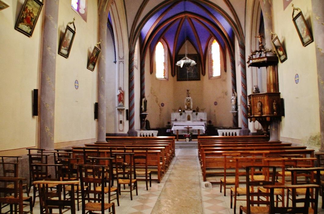 Eglise Paroissiale Notre-Dame-de-Pitié à La chapelle blanche.