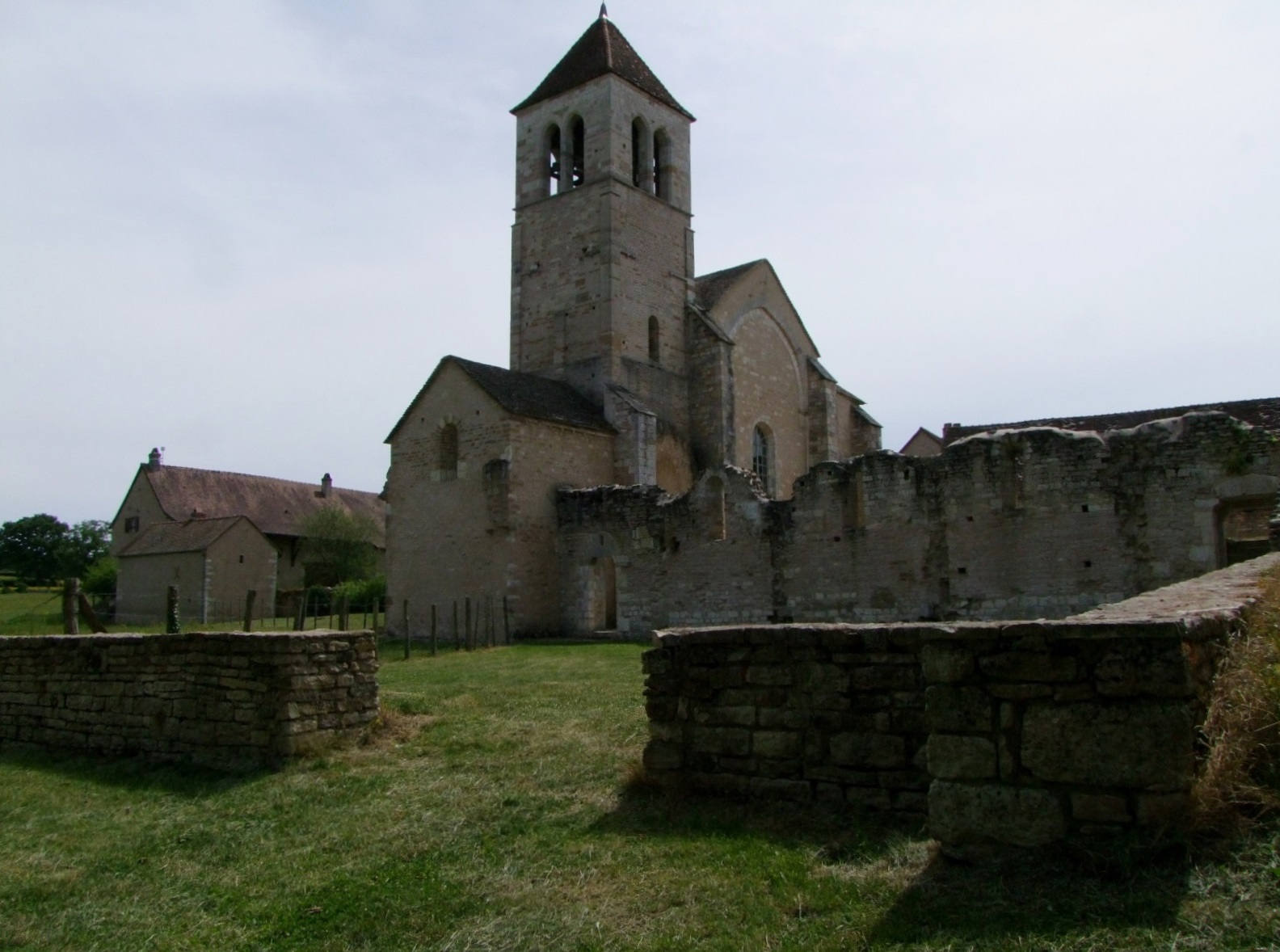 Church of Lancharre to Chapaize.