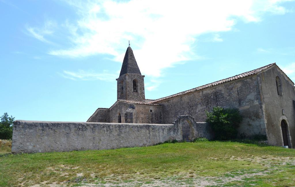 Eglise à St martin de bromes.