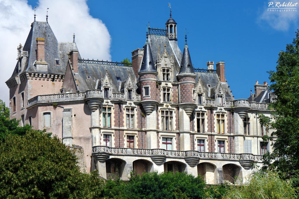 Castle, currently the Museum farm, French Heritage monument to Montigny le gannelon.