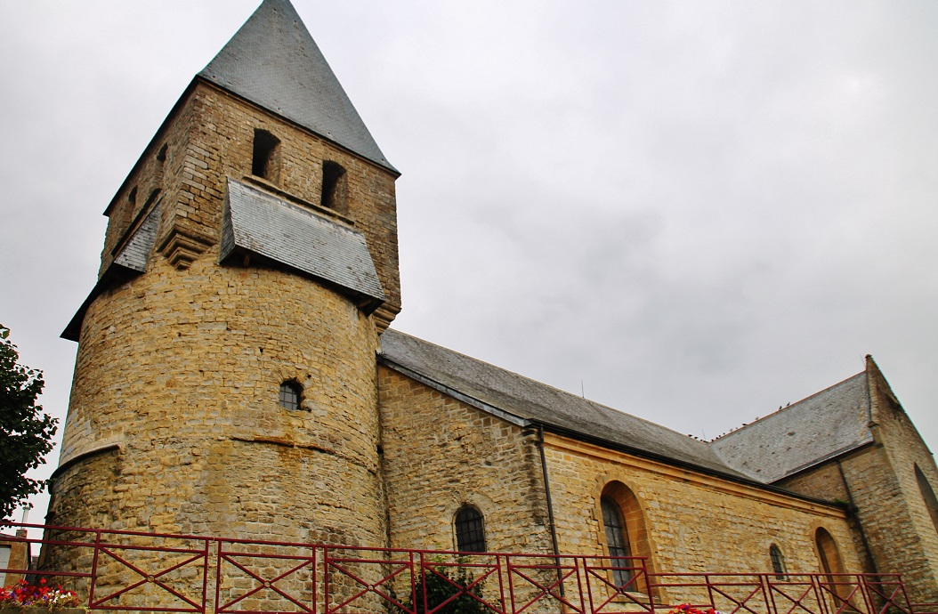 Eglise à Tournes.