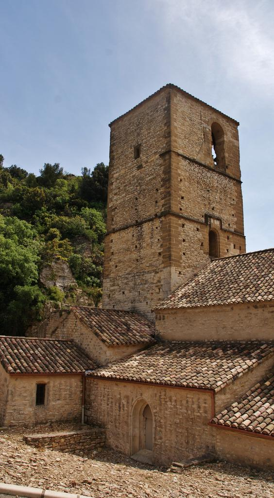 Eglise à Mornas.
