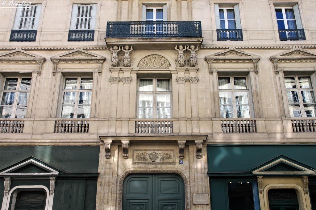 Immeuble 8 rue de tournon paris 6eme arrondissement paris for Agence immobiliere 6eme arrondissement paris