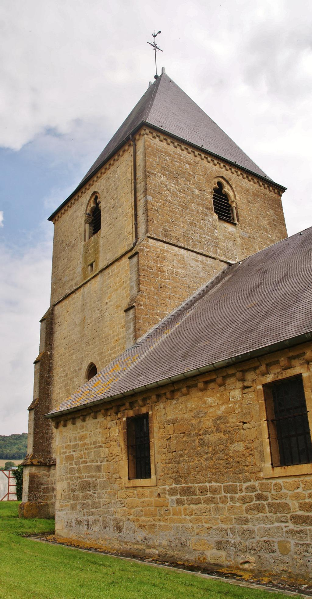 Eglise à Cheveuges.