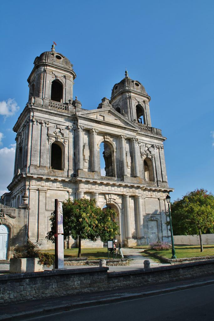 Abbey Saint-Jean-Baptiste (former), French Heritage monument to St jean d angely.