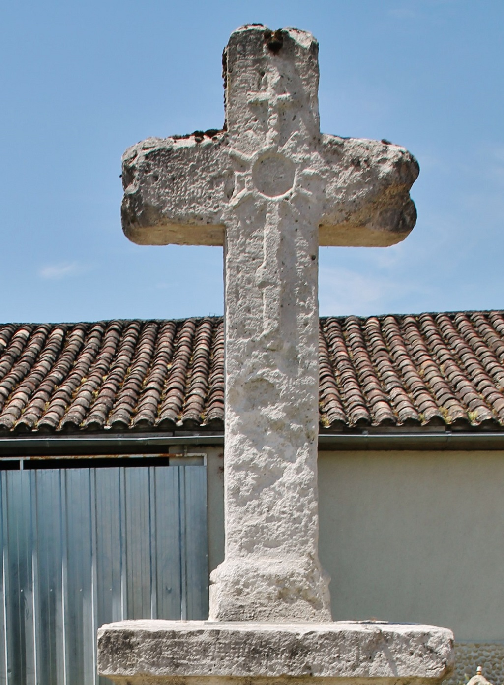 Monumental cross, French Heritage monument to Perville.