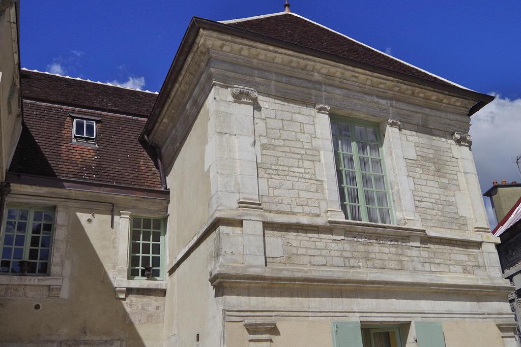 Maison 2 rue Armand-Colin à Tonnerre.