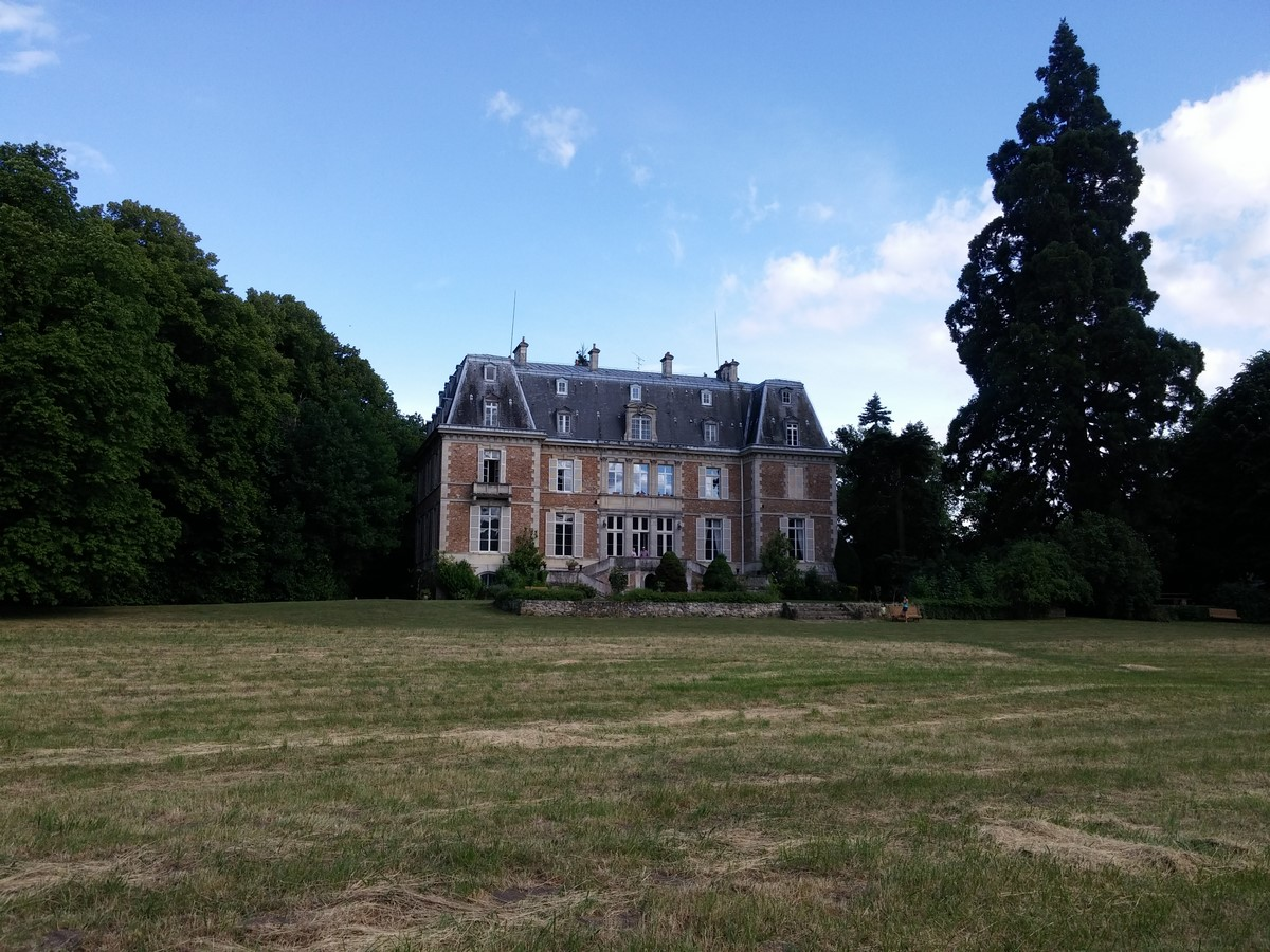 Park of the castle of the Michaudiere, French Heritage monument to Guigneville sur essonne.