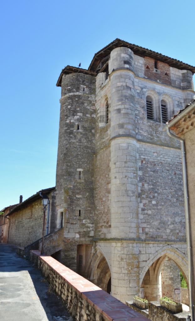 Church, French Heritage monument to Castelnau de levis.