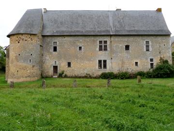 Manoir de Rousson, French Heritage monument to Parce sur sarthe.