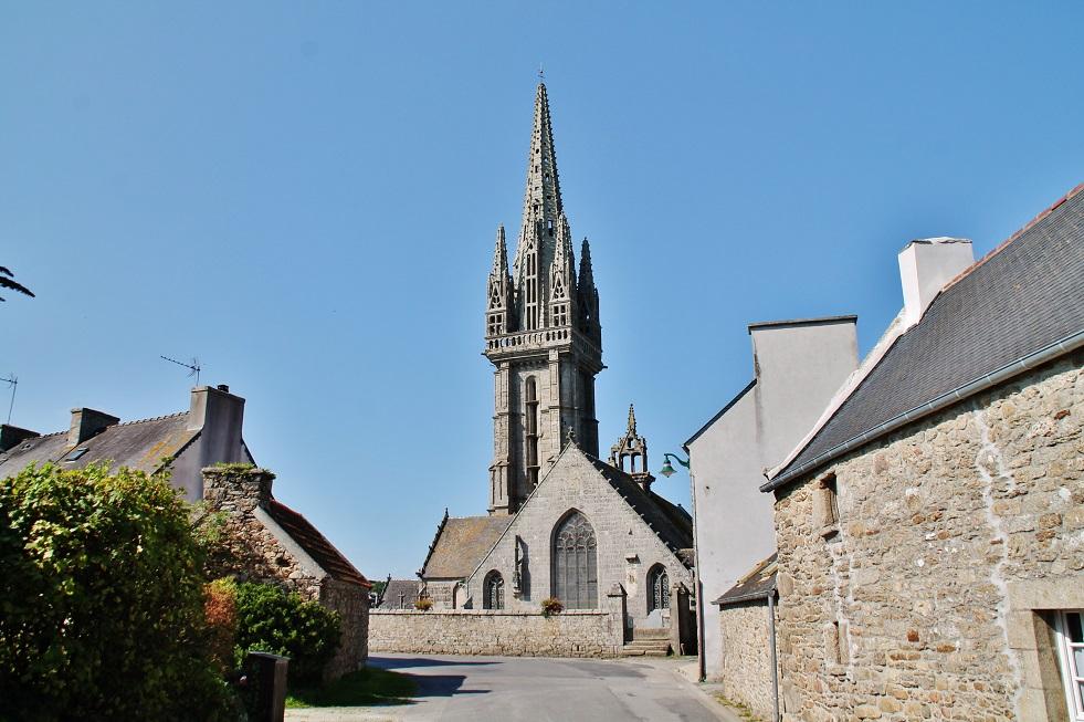 Eglise et cimetière par pierre bastien