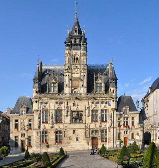 L Hotel De Ville De Compiegne