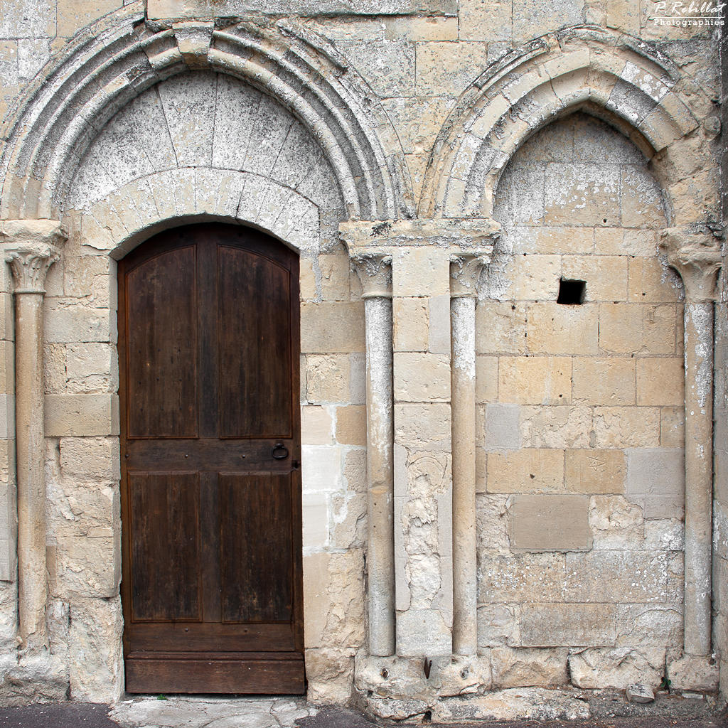 Eglise Saint-Aubin à Fontenay le pesnel.