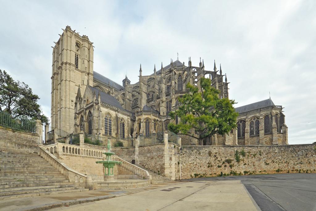 Cathédrale Saint-Julien à Le mans.